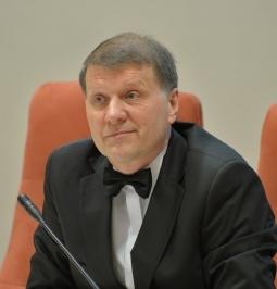 SENIŪNO VAIDMUO STIPRINANT SOCIALINĮ KAPITALĄ (DOC. DR. SAULIUS NEFAS) (8 akad. val.)